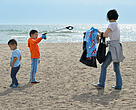 Family cleans up Lake Ontario Shoreline at Great Canadian Shoreline Cleanup